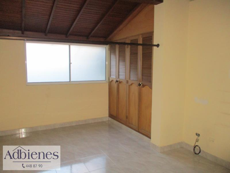 Casa-Local en Arriendo en Laureles